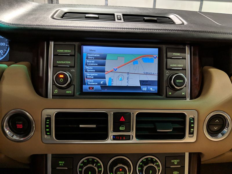 2012 Land Rover Range Rover HSE LUX  Lake Forest IL  Executive Motor Carz  in Lake Forest, IL