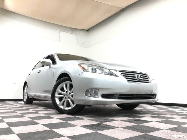 2012 Lexus ES 350 *Drive TODAY & Make PAYMENTS* | The Auto Cave in Dallas
