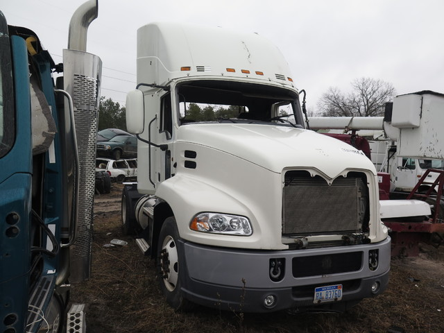2012 Mack CXU613 in Ravenna, MI 49451