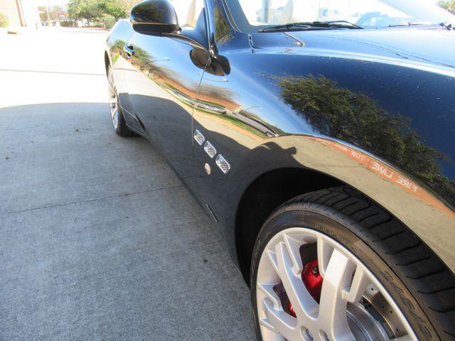 2012 Maserati GranTurismo Convertible Austin , Texas 8