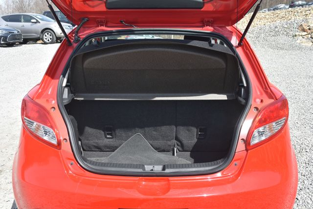 2012 Mazda Mazda2 Sport Naugatuck, Connecticut 17