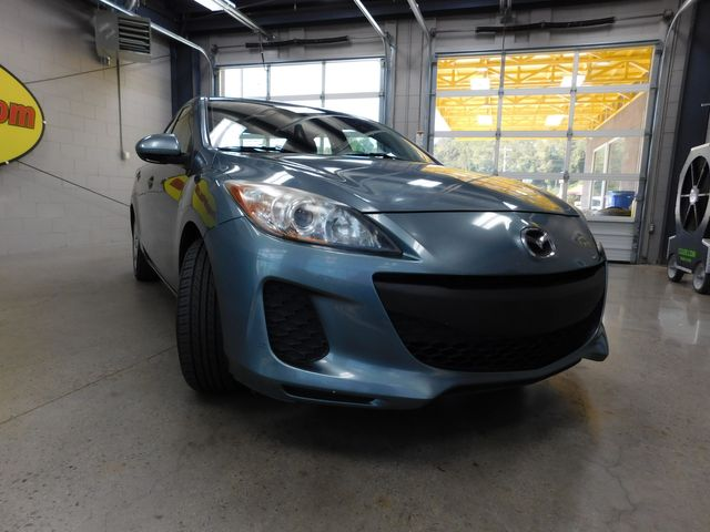 2012 Mazda Mazda3 i Sport in Airport Motor Mile ( Metro Knoxville ), TN 37777