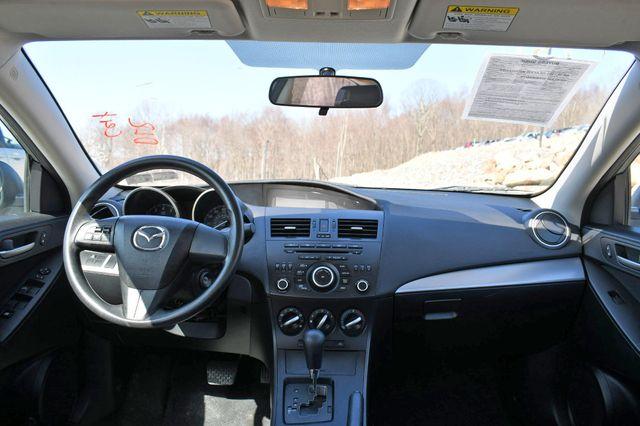 2012 Mazda Mazda3 i Sport Naugatuck, Connecticut 18