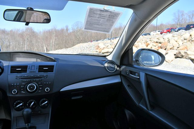 2012 Mazda Mazda3 i Sport Naugatuck, Connecticut 19