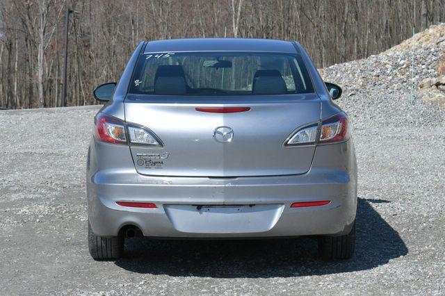 2012 Mazda Mazda3 i Sport Naugatuck, Connecticut 5