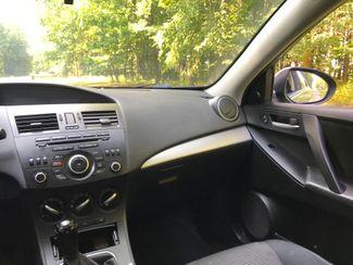 2012 Mazda Mazda3 i Touring Ravenna, Ohio 9