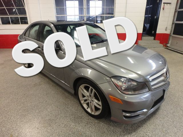 2012 Mercedes C300 4-Matic STUNNING CAR, LOADED AND SHARP! B U CAMERA Saint Louis Park, MN