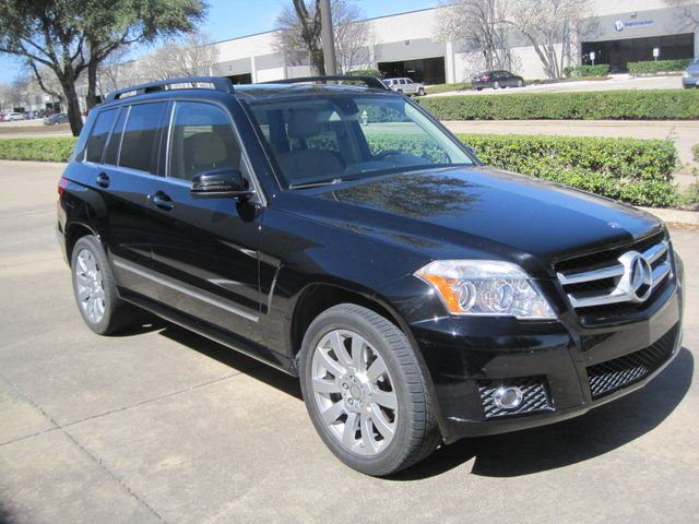 2012 Mercedes-Benz GLK 350 Luxury SUV, Pano. Nav, Super Nice