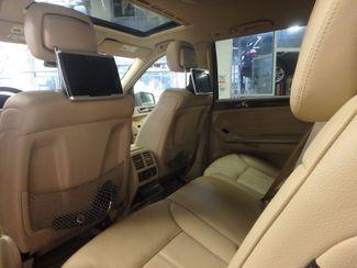 2012 Mercedes Gl450, 3rd Row DVD, B/U CAM, ALL WHEEL DRIVE. READY!~ Saint Louis Park, MN 12