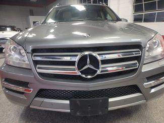 2012 Mercedes Gl450, 3rd Row DVD, B/U CAM, ALL WHEEL DRIVE. READY!~ Saint Louis Park, MN 28