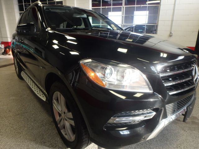 2012 Mercedes Ml350, Awd, LOADED, LUXURIOUS, TIGHT, STUNNING!~ Saint Louis Park, MN 27