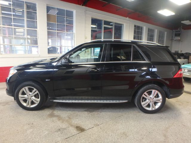 2012 Mercedes Ml350, Awd, LOADED, LUXURIOUS, TIGHT, STUNNING!~ Saint Louis Park, MN 7