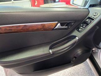 2012 Mercedes R 350 3RD ROW, AWD LOADED FAMILY MOVER! Saint Louis Park, MN 11