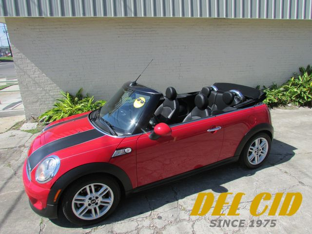 2012 Mini Convertible S, Leather! Like New! Clean CarFax!