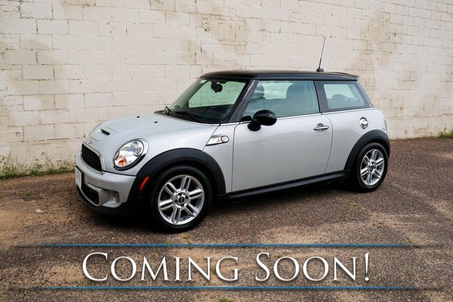 2012 Mini Cooper S w/6-Speed Manual, Tech Pkg, Nav, Harman/Kardon Audio, Heated Seats & Panoramic Roof in Eau Claire, Wisconsin 54703