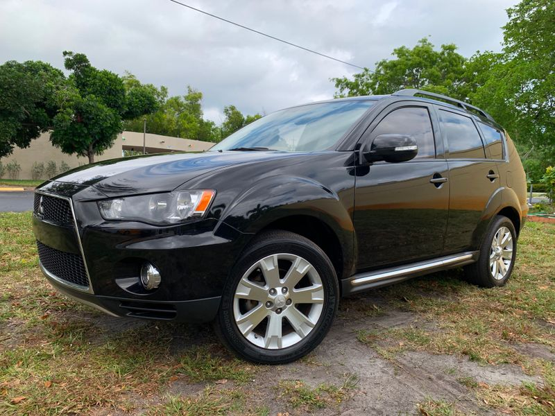 2012 Mitsubishi Outlander SE in Lighthouse Point FL