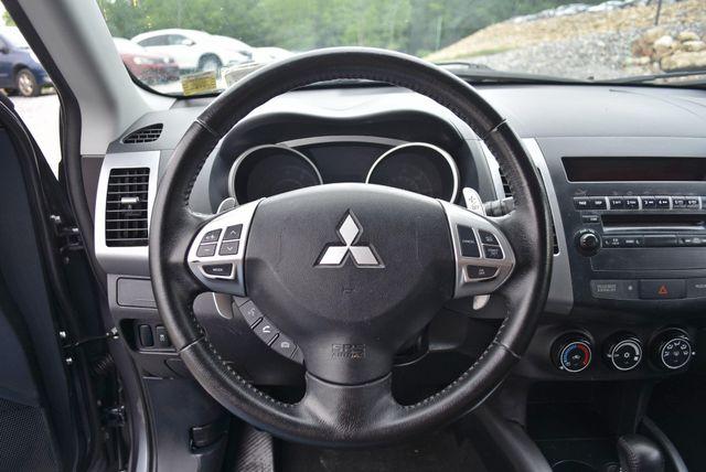 2012 Mitsubishi Outlander SE Naugatuck, Connecticut 13