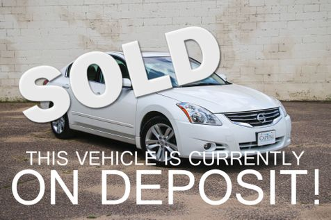 2012 Nissan Altima 3.5 SR w/Premium Package, Rear-View Camera, Moonroof, BOSE Audio and Heated Seats in Eau Claire