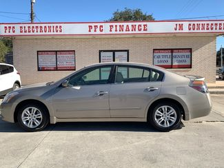 2012 Nissan Altima 2.5 S in Devine, Texas 78016