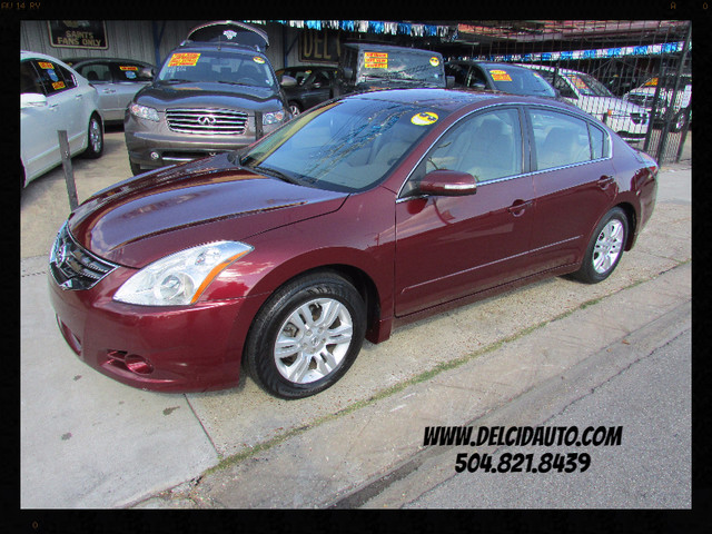 2012 Nissan Altima 2.5 SL, Leather! Sunroof! Clean CarFax!