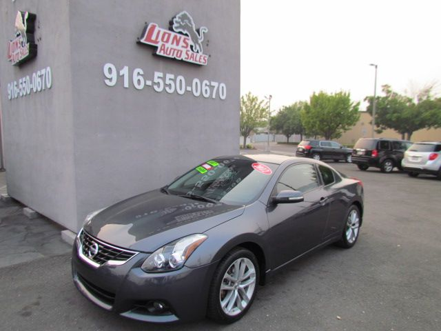 2012 Nissan Altima 3.5 SR Leather / Camera