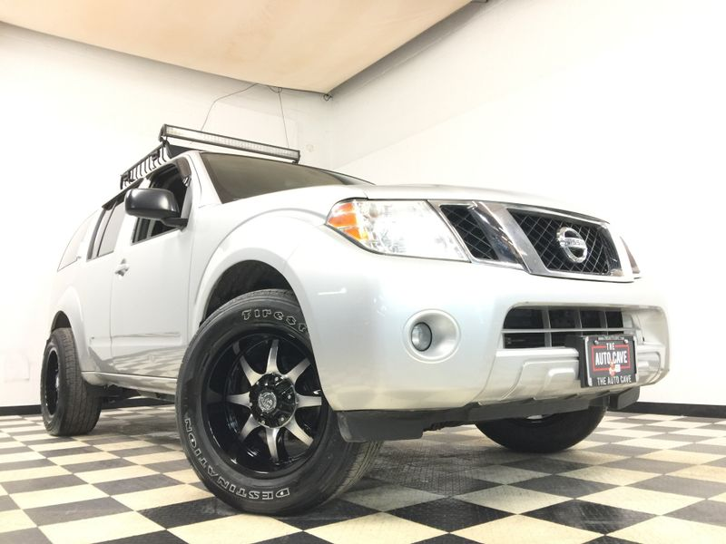 2012 Nissan Pathfinder *Aftermarket Roof Rack with Light Bar! Must See!* | The Auto Cave in Addison