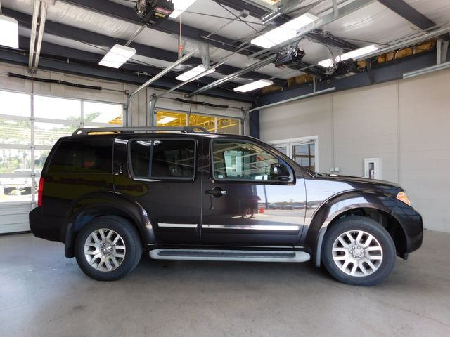 2012 Nissan Pathfinder LE in Airport Motor Mile ( Metro Knoxville ), TN 37777