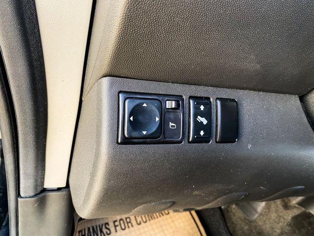 2012 Nissan Pathfinder SV Madison, NC 31