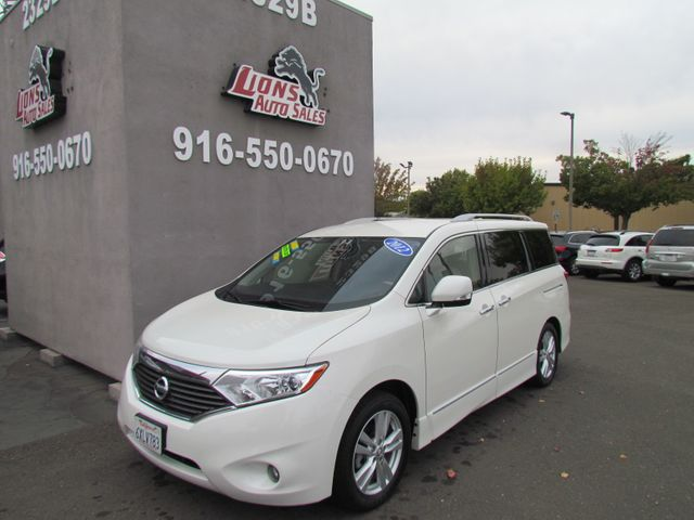 2012 Nissan Quest SL Extra clean in Sacramento, CA 95825