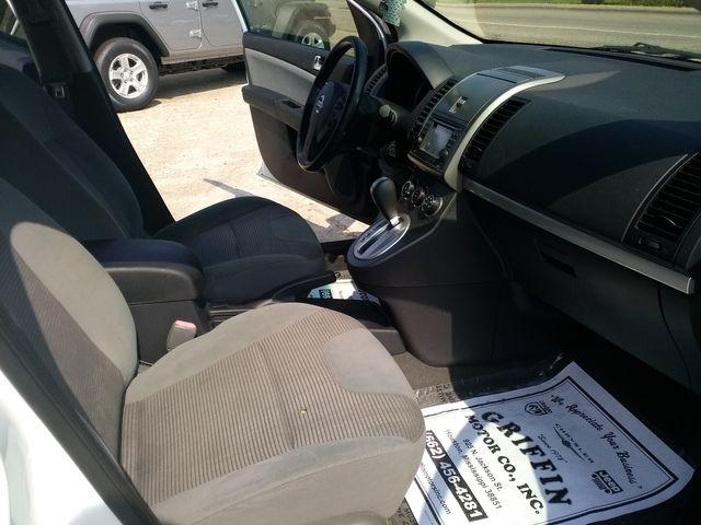 2012 Nissan Sentra 2.0 SR Houston, Mississippi 9