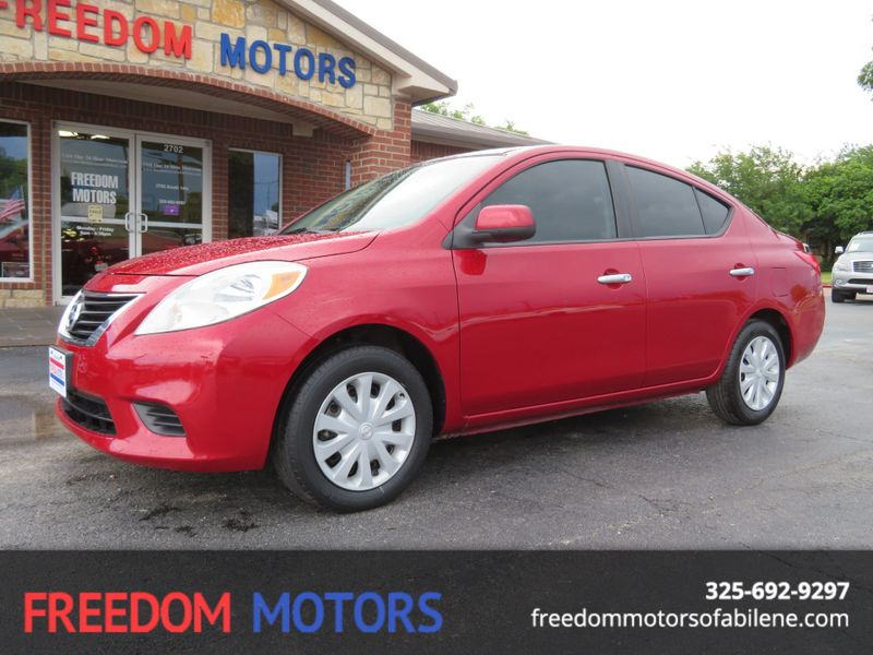 2012 Nissan Versa SV | Abilene, Texas | Freedom Motors  in Abilene Texas