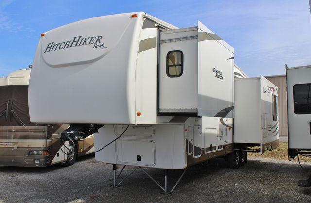 2012 Nu-Wa Hitch Hiker Discover America 330FK