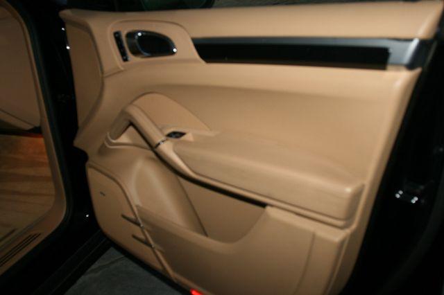 2012 Porsche Cayenne Houston, Texas 17