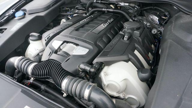 2012 Porsche Cayenne Turbo Valley Park, Missouri 53