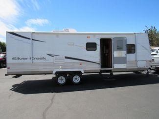 2012 R-Vision 28RBS  31 Ft./Slide One Owner Bend, Oregon 3