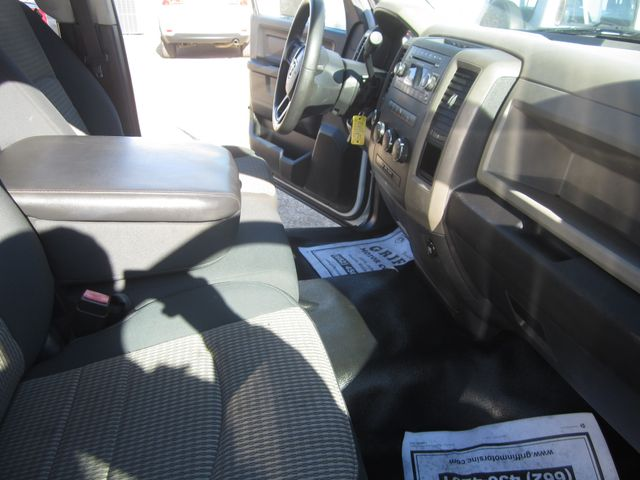 2012 Ram 1500 ST Quad Cab 4x4 Houston, Mississippi 9