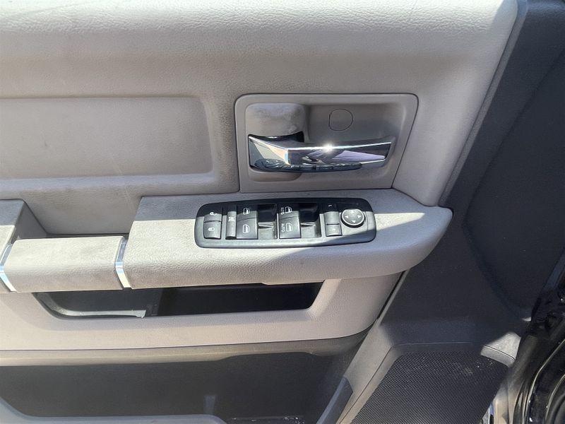 2012 Ram 1500 5.7L HEMI V8, LONESTAR/ RWD POWER SLIDING WINDOW in Rowlett, Texas