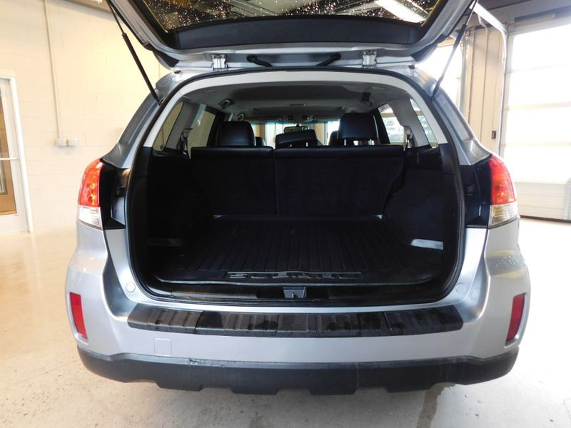 2012 Subaru Outback 25i Limited  city TN  Doug Justus Auto Center Inc  in Airport Motor Mile ( Metro Knoxville ), TN