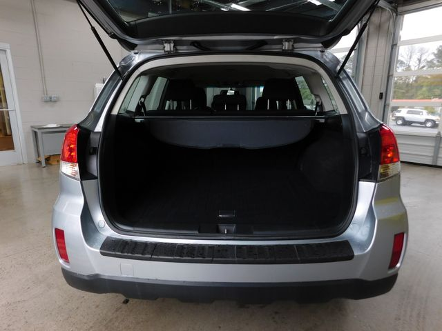 2012 Subaru Outback 2.5i in Airport Motor Mile ( Metro Knoxville ), TN 37777