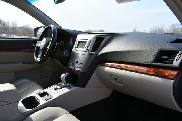 2012 Subaru Outback 2.5i Limited Naugatuck, Connecticut 3