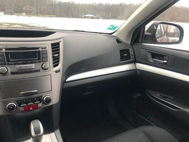 2012 Subaru Outback 2.5i Prem Ravenna, Ohio 9