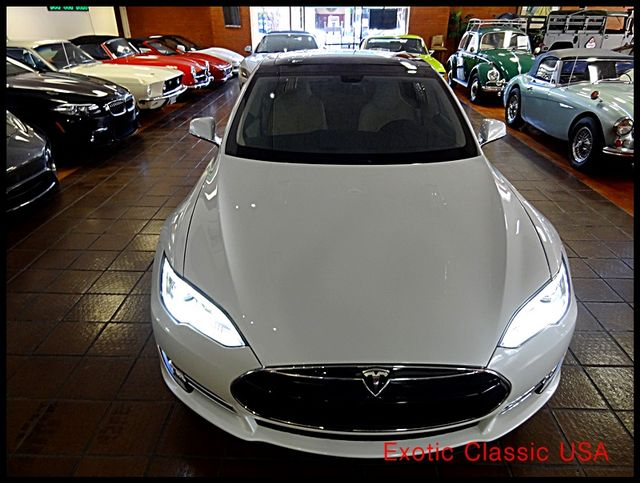 2012 Tesla Model S Signature Performance autographed by Elon Musk San Diego, California 11