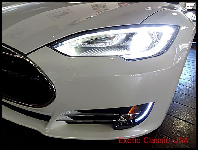 2012 Tesla Model S Signature Performance autographed by Elon Musk San Diego, California 12