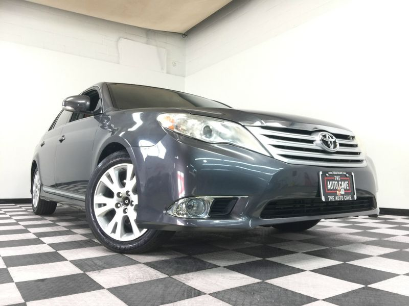 2012 Toyota Avalon *Drive TODAY & Make PAYMENTS* | The Auto Cave in Addison