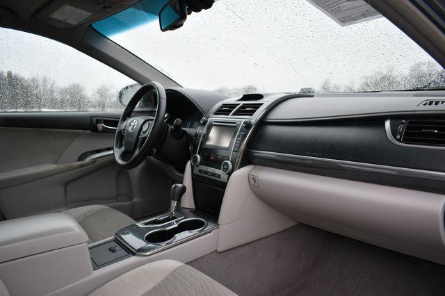 2012 Toyota Camry Hybrid XLE Naugatuck, Connecticut 10