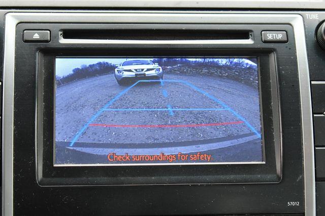 2012 Toyota Camry Hybrid XLE Naugatuck, Connecticut 14