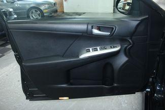 2012 Toyota Camry SE Kensington, Maryland 14