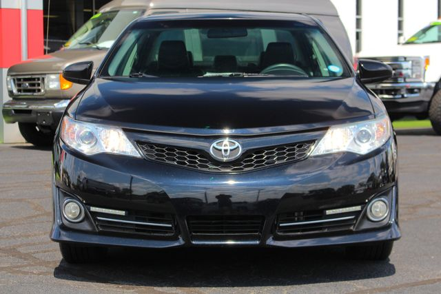 2012 Toyota Camry SE FWD - LEATHER INTERIOR - ONE OWNER! Mooresville , NC 15