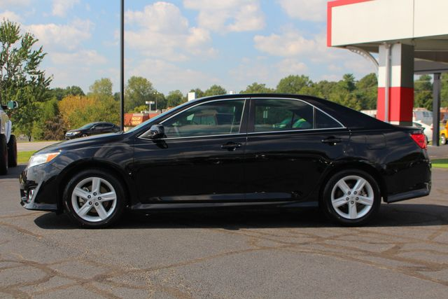 2012 Toyota Camry SE FWD - LEATHER INTERIOR - ONE OWNER! Mooresville , NC 14