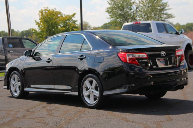 2012 Toyota Camry SE FWD - LEATHER INTERIOR - ONE OWNER! Mooresville , NC 23